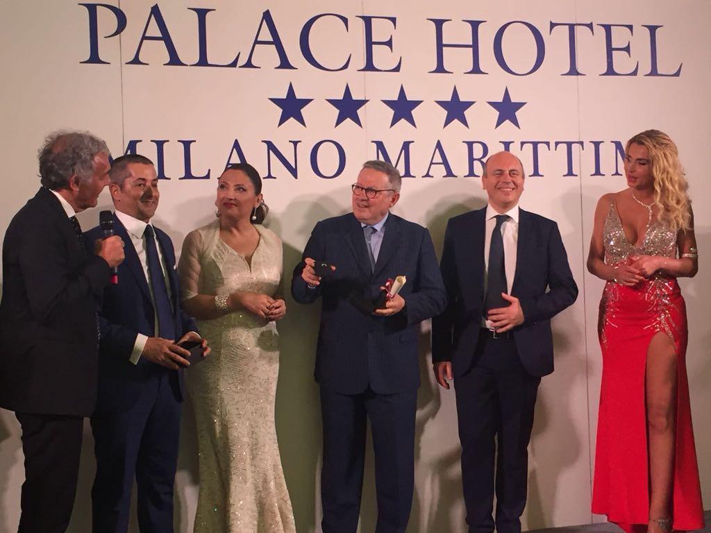 Assegnato il  Cinque stelle al giornalismo , tra i premiati anche Paolo Liguori