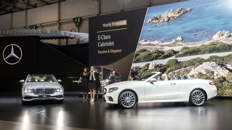 Agli stand Mercedes 34 veicoli