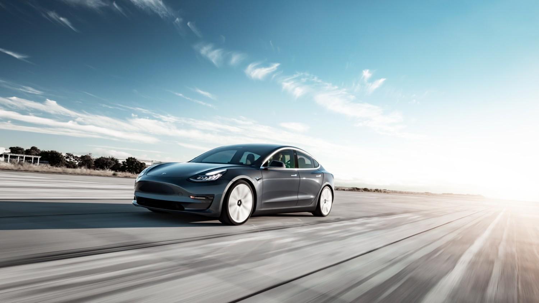 La doppia anima di Tesla Model 3