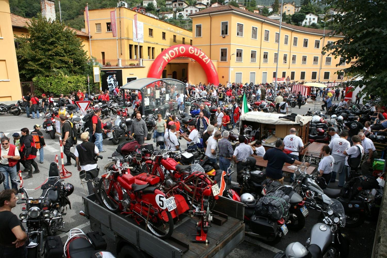 A Mandello la festa Moto Guzzi