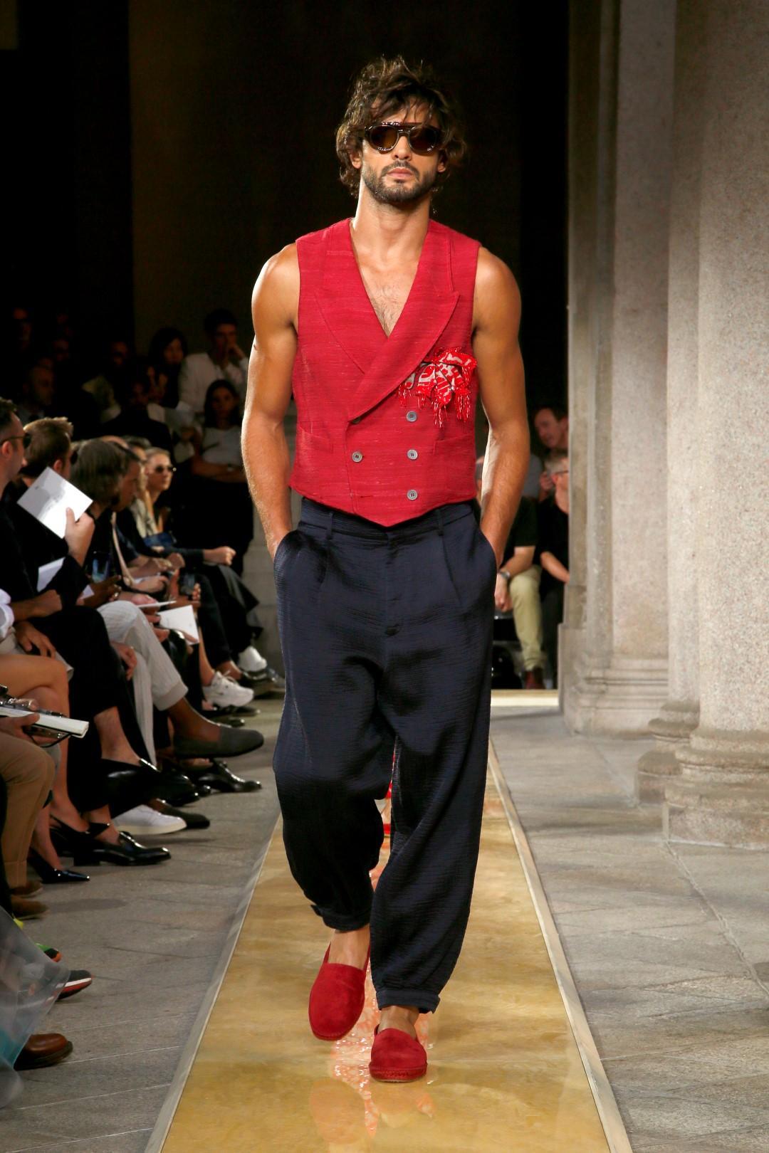 L'uomo 'nuovo' di Giorgio Armani è curioso, coraggioso e sexy