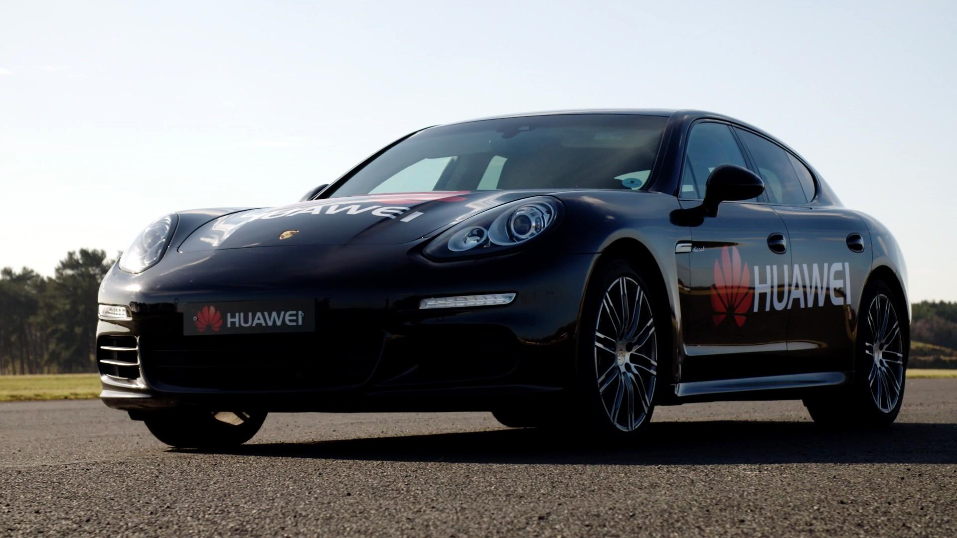 Huawei RoadReader e Porsche Panamera