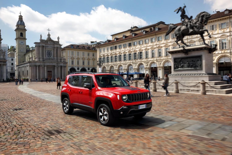 L'ibrido rafforza le doti 4x4 di Jeep