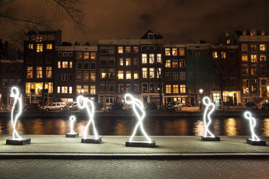 Inverno magico ad Amsterdam tra ghiaccio e luci