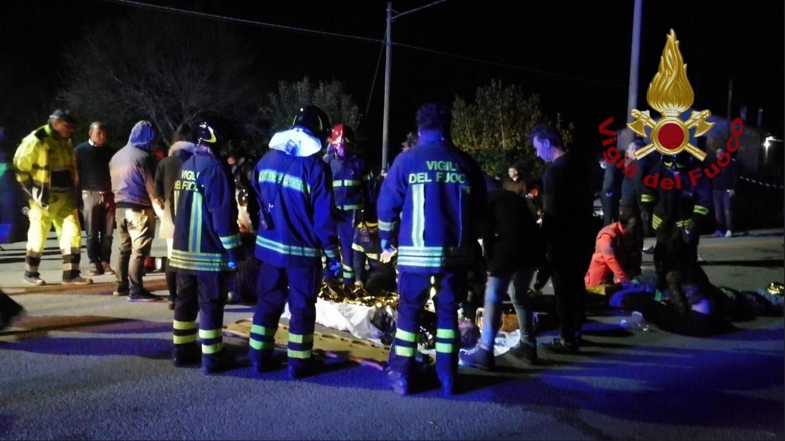 Panico in discoteca, 6 morti nella calca