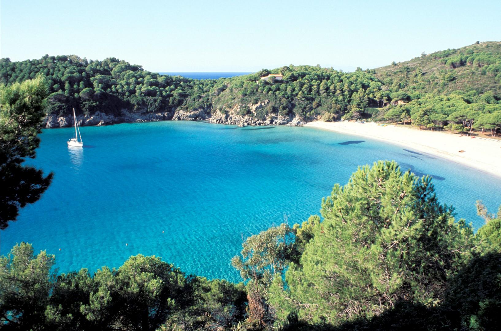 Isola d Elba: Lontani dal mondo, a due passi da tutto