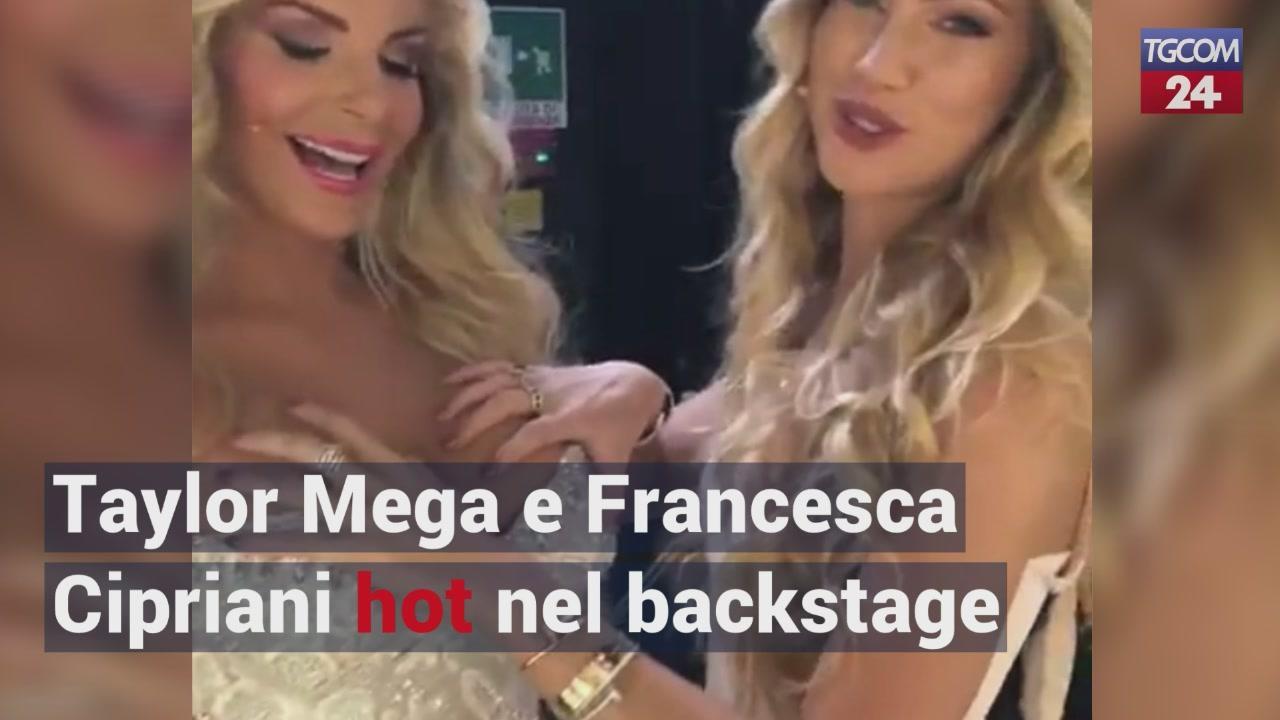 Francesca Cipriani Backstage Calendario.Taylor Mega E Francesca Cipriani Hot Nel Backstage Di Domenica Live