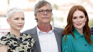 Cannes, Michelle Williams e Julianne Moore conquistano il red carpet