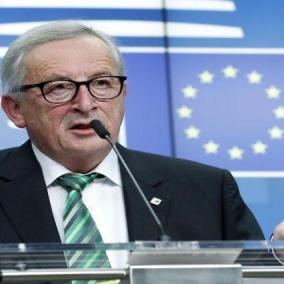 Brexit, Juncker: sale il rischio no deal, Gb chiarisca
