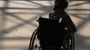 Viterbo, abusi su bimba disabile di 8 anni: arrestato fisioterapista