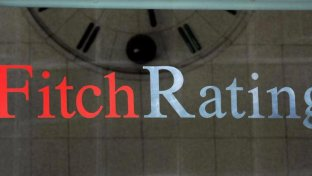 Fitch conferma il rating BBB, outlook negativo: prevediamo voto anticipato |