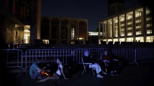 New York, blackout a Manhattan: 72mila senza luce e metro in tilt