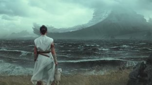 Star Wars , si alza il velo sull episodio IX: diffuso il primo trailer di  The Rise of Skywalker