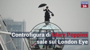 Le acrobazie di Mary Poppins sul London Eye