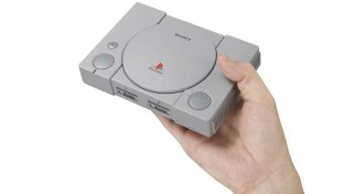 La prima PlayStation torna in versione... mini