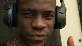 Balotelli alle prese con Call of Duty: Black Ops 4