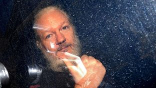 Cnn: Julian Assange era in contatto con l intelligence russa