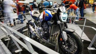 Honda CB1000R+ Limited Edition, gioiello italiano